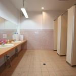 ビーチカフェテリア・ハイブルー - 綺麗なトイレも完備