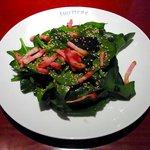 SHUTTERS - ほうれん草とベーコンのサラダ(955円)