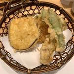 天ぷら新宿つな八 - 薩摩芋・さやえんどう・鯛・かき揚げ
