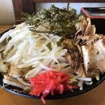 福助 - 料理写真:まぜそば(特盛)@780円+野菜増し