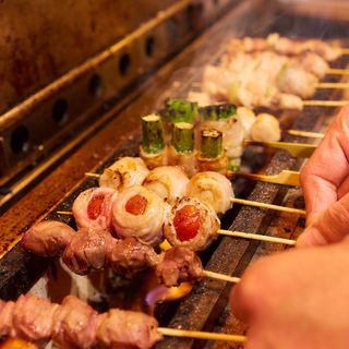 職人が一本一本串打ちし丁寧に焼き上げた野菜巻き串と豚バラ串