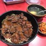 106209361 - ハラミ丼とスープのセット@750円