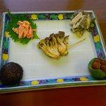 協和温泉 - 舞茸白和え、椎茸裏白、焼き占地、えのき梅肉和え、なめこ柚釜
