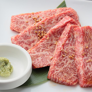 元寿司職人が手掛ける多彩な肉料理を堪能!希少部位も*