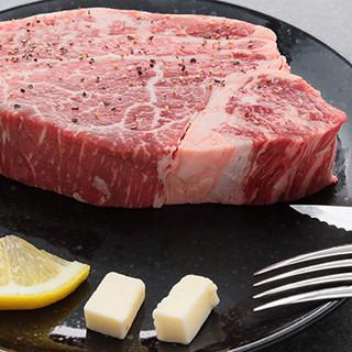 肉はとにかく生にこだわる!鮮度自慢の素材は様々な自家製料理に