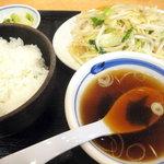 中華東秀 - 野菜炒め定食です