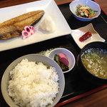 あび子 - 焼魚定食(ほっけ焼き定食)