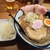 吉み乃製麺所 - 料理写真:飛出汁ラーメンとトッピング玉ネギ
