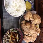 峠の茶屋 - 唐揚げ定食。800円10月末で閉店だそうです。