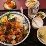 中国美食 佳陽 - 牛肉魯肉飯¥950-
