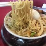 大ちゃんラーメン - ねぎとんしおチャーシュー(大盛)  麺リフトアップ