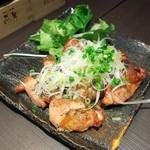 日本酒原価酒蔵 - 鶏もも肉の山椒焼き