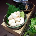 日本酒原価酒蔵 - モッツァレラチーズの醤油漬け