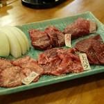 馬焼肉専門店うまえびす - 名物!!焼肉5種盛り