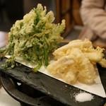 馬焼肉専門店うまえびす - 馬の白子と春菊の天ぷら