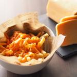 ダーツカフェ ウノ - とろ~りチーズのフライドポテト