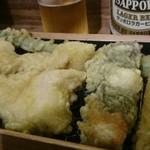 天ぷらスタンド KITSUNE - 天ぷら到着。『とり天・明太子・アスパラガス・竹の子』