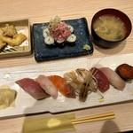 漁師寿司食堂どと~んと日本海 - 上寿し8貫のっけ盛りセット 1300円