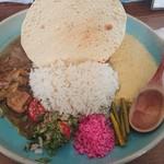 106249696 - チキンカレー&豆とトウモロコシのココナッツカレー