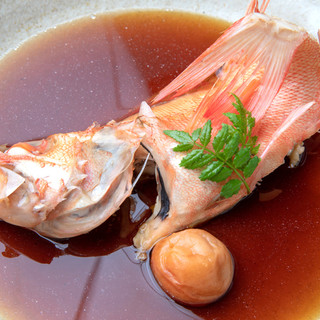 【銀平名物】水と醤油のみで炊いた煮魚。