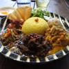 ロクパ 883カレー - 料理写真:平日3種合い盛りカレー