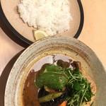 スープカレー専門店 ごうや - やわらかチキン野菜1180円(ドリンク付)ご飯200g