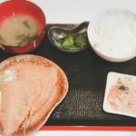 和洋ダイニング みのり家 - アジフライ定食 ¥400