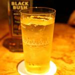 Bar 内藤 - Irish Whiskey Bushmills Black Bush のダブルのハイボール