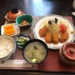 割烹食堂 伊豆菊 - かきフライ定食1100円