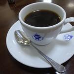 エビアンコーヒー - 一杯370円のホットおかわり