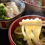 和食処 本陣 - 季節メニューらしい桜鯛の花かご御膳 いつまでやるんだろう、良過ぎる これに桜鯛のカツと卵焼きと茶碗蒸しついて1380円