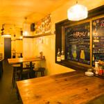 日本酒 ト ワイン 岡野 - テーブル