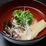 Kappouizakayashuenseigetsu - サクラマス 筍のすまし汁