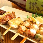 四季酒菜 かえん - 自慢の串焼きは鳥取から毎日届く大山匠鶏(だいせんたくみどり)。真ん中とろ~りのレバーは絶品!