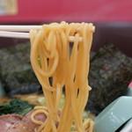山岡家 - この低加水の中太麺がとにかく素晴らしい〜!