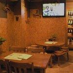 四季酒菜 かえん - 店内に2台ある大画面テレビでみんなで熱くスポーツ観戦!