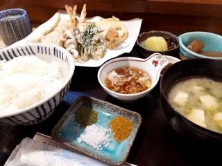 高七 - 天ぷら定食(上)1600円