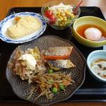 106328254 - 和食ビュッフェでこれ以外に蕎麦、天ぷら等々てんこ盛りの内容でした:笑