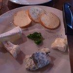 ドルフィンズ - チーズの盛り合わせはかかせない