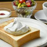 喫茶モーニング - ジャムトースト