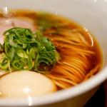 らぁ麺 すぎ本 - 料理写真:醤油味玉