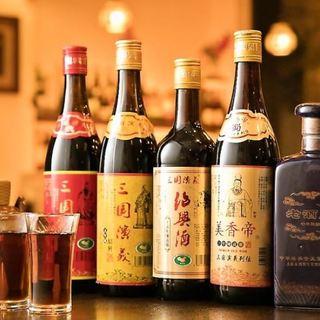 定番ビール・サワーから紹興酒まで。種類豊富なドリンク。