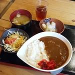 大衆酒場どんどん - どんどんカレー定食(500円)