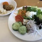 レストラン&me - サラダバーより