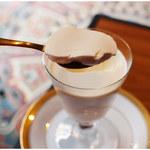 喫茶 半月 -