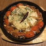 CONA - カマンベールチーズのアヒージョ