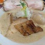 麺屋甚八 - 料理写真:特製鶏とろみそば