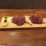 肉バルサンダー - 常陸牛ロースと短角牛ロースの味比べ