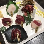 Misaki - 「熊本県産馬刺し、おまかせ五点盛り」1,980円に追加で             「タン」850円
