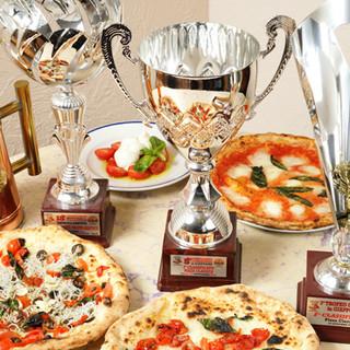 数々の受賞歴を持つオーナーシェフが作る絶品ピッツァをご提供